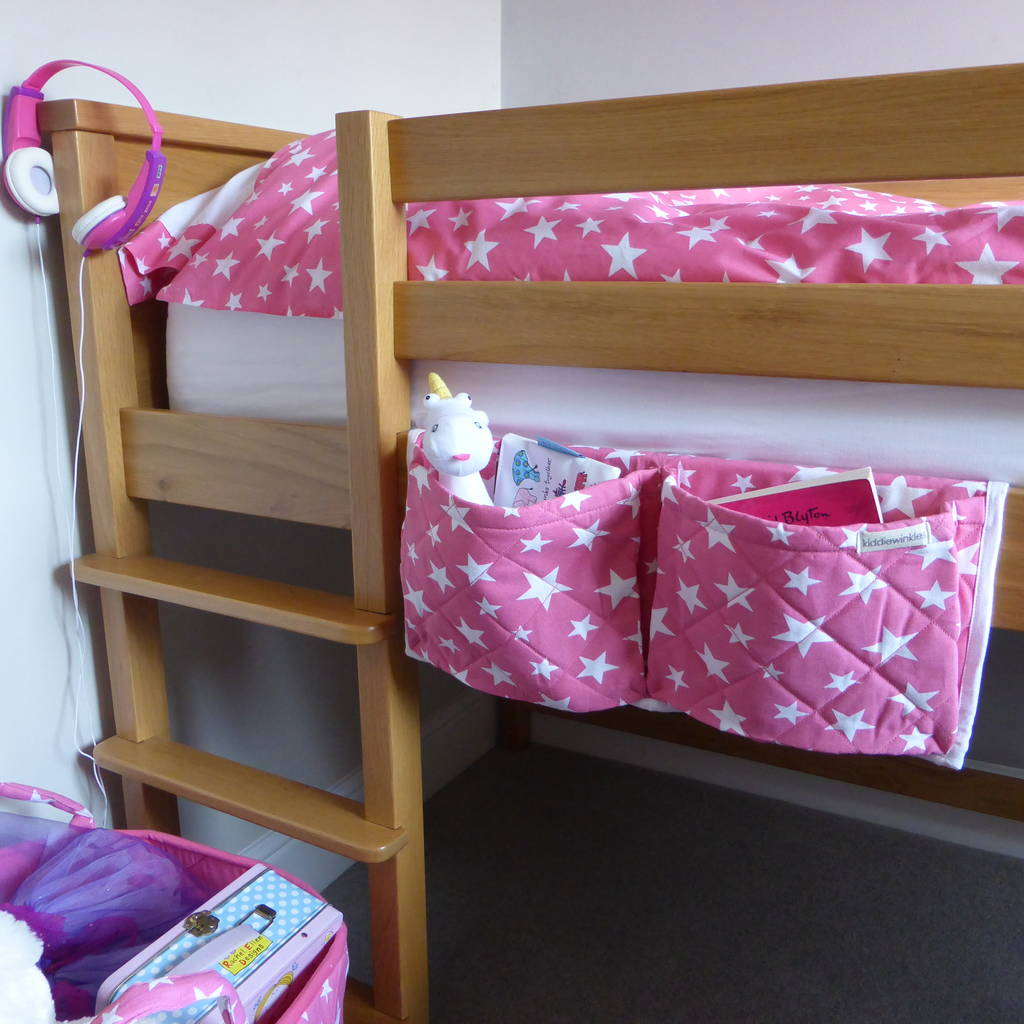 Pink and white star pattern bed pockets