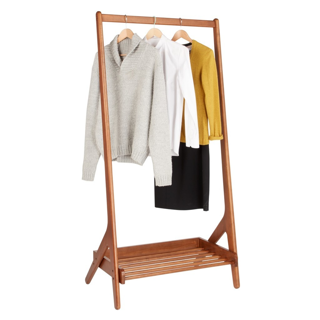 Leaning clothes rail with slatted shoe rack