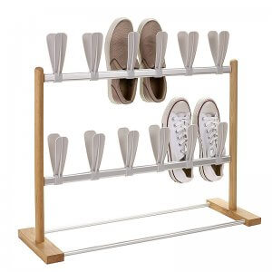 Free-standing vertical shoe rack