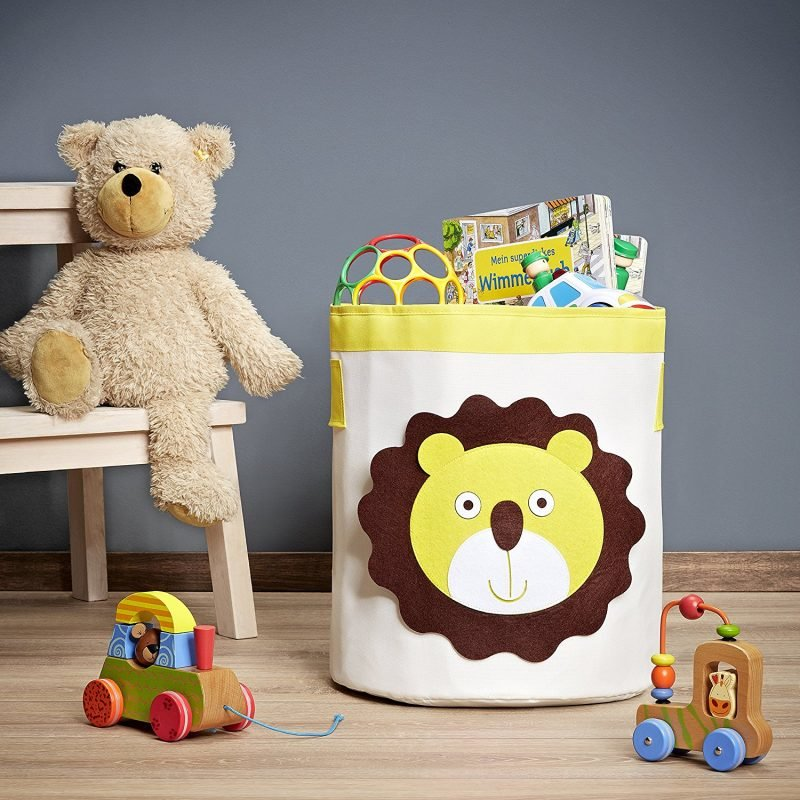 Kid's storage hamper with lion's head motif
