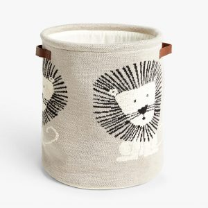 Knitted storage basket with lion motif