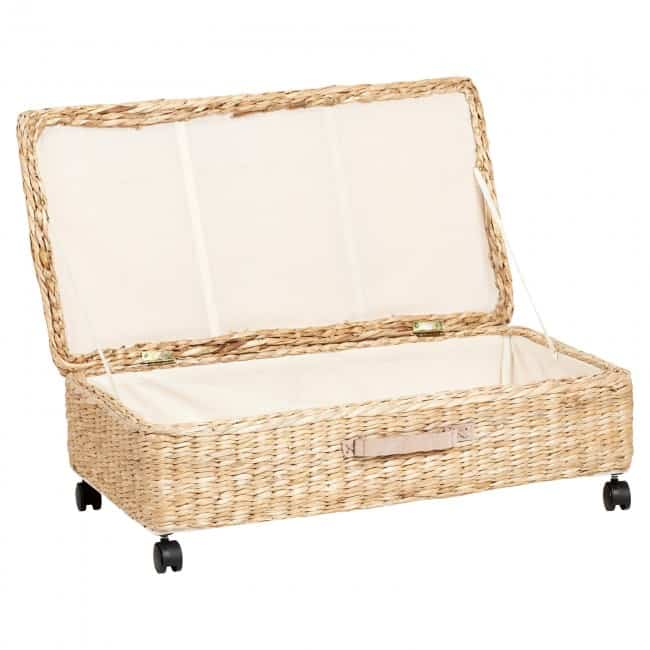 Lined seagrass basket with lid