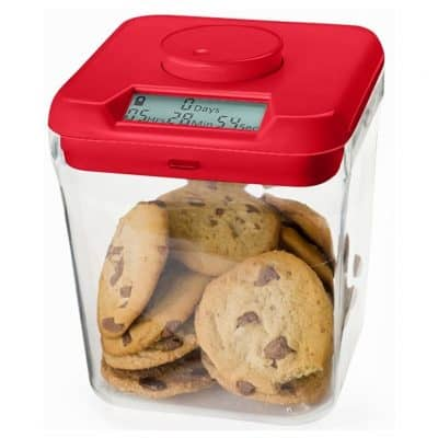 Food container with time lock lid